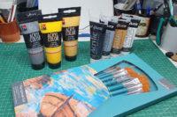 Acryl Paints + Brushes